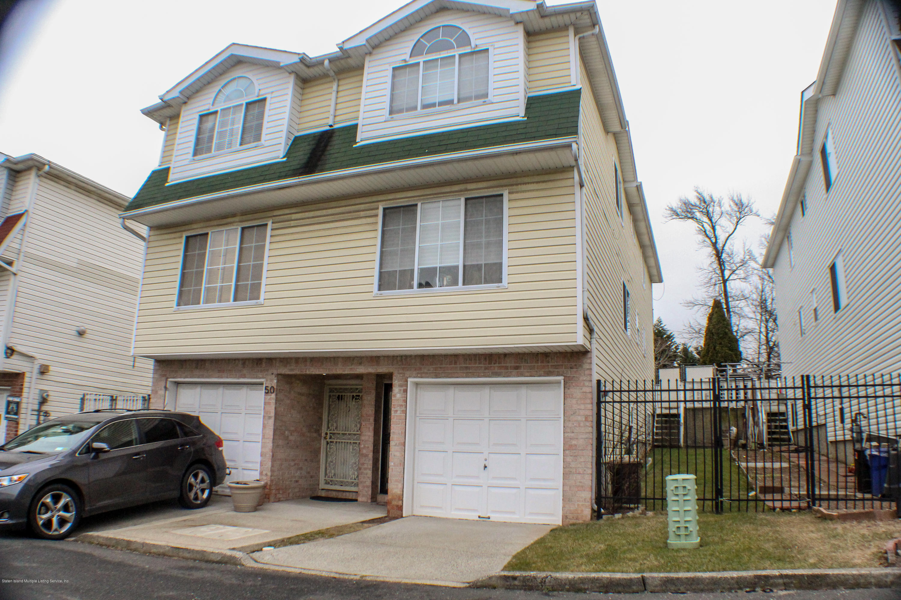 Single Family - Semi-Attached in Fort Wadsworth - 52 Belair Lane  Staten Island, NY 10305