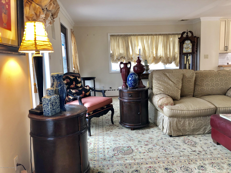 Single Family - Detached 69 Locust Avenue  Staten Island, NY 10306, MLS-1126166-17