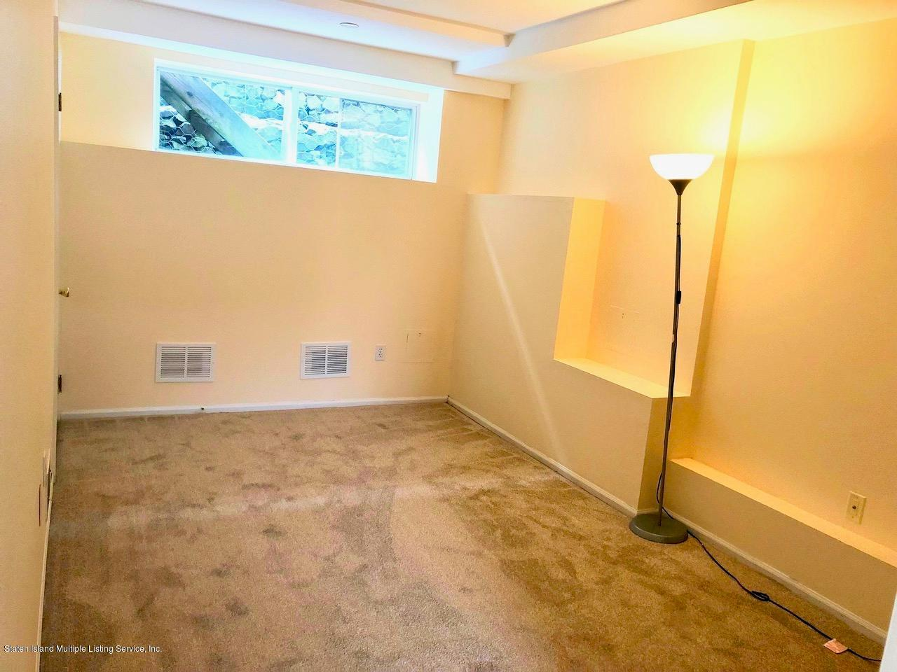 Single Family - Attached 18 Vienna Court  Staten Island, NY 10305, MLS-1126237-2