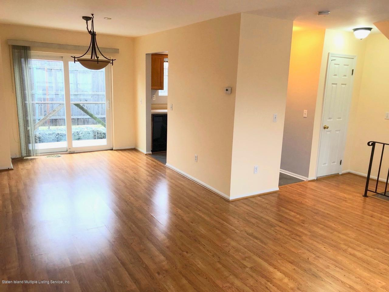 Single Family - Attached 18 Vienna Court  Staten Island, NY 10305, MLS-1126237-4
