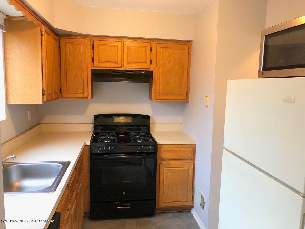 Single Family - Attached 18 Vienna Court  Staten Island, NY 10305, MLS-1126237-5
