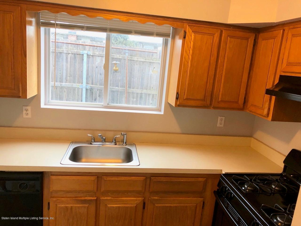 Single Family - Attached 18 Vienna Court  Staten Island, NY 10305, MLS-1126237-6