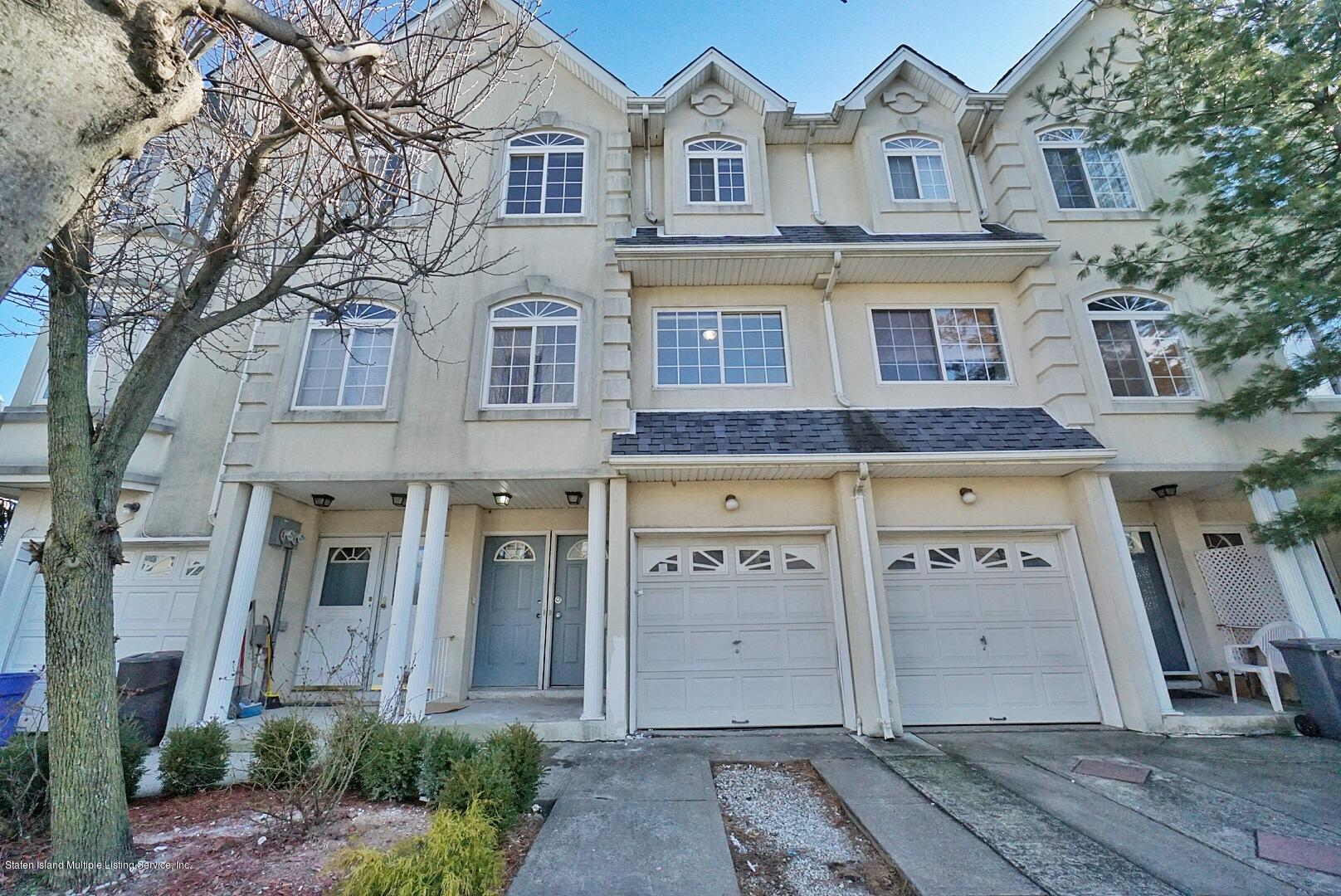 Two Family - Attached in Rosebank - 28 Waterview Court  Staten Island, NY 10305