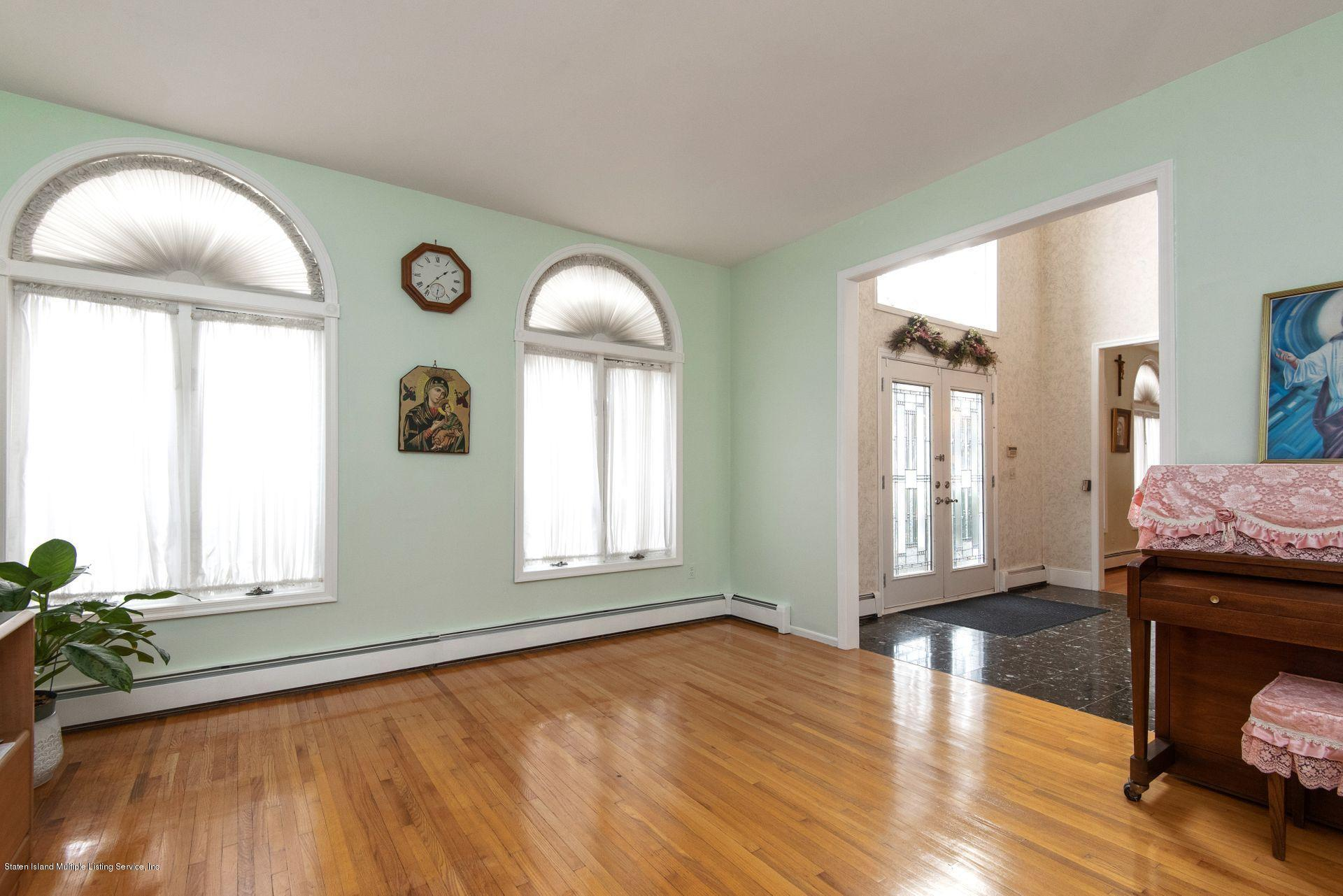 Two Family - Detached 640 Yetman Avenue  Staten Island, NY 10307, MLS-1126450-19