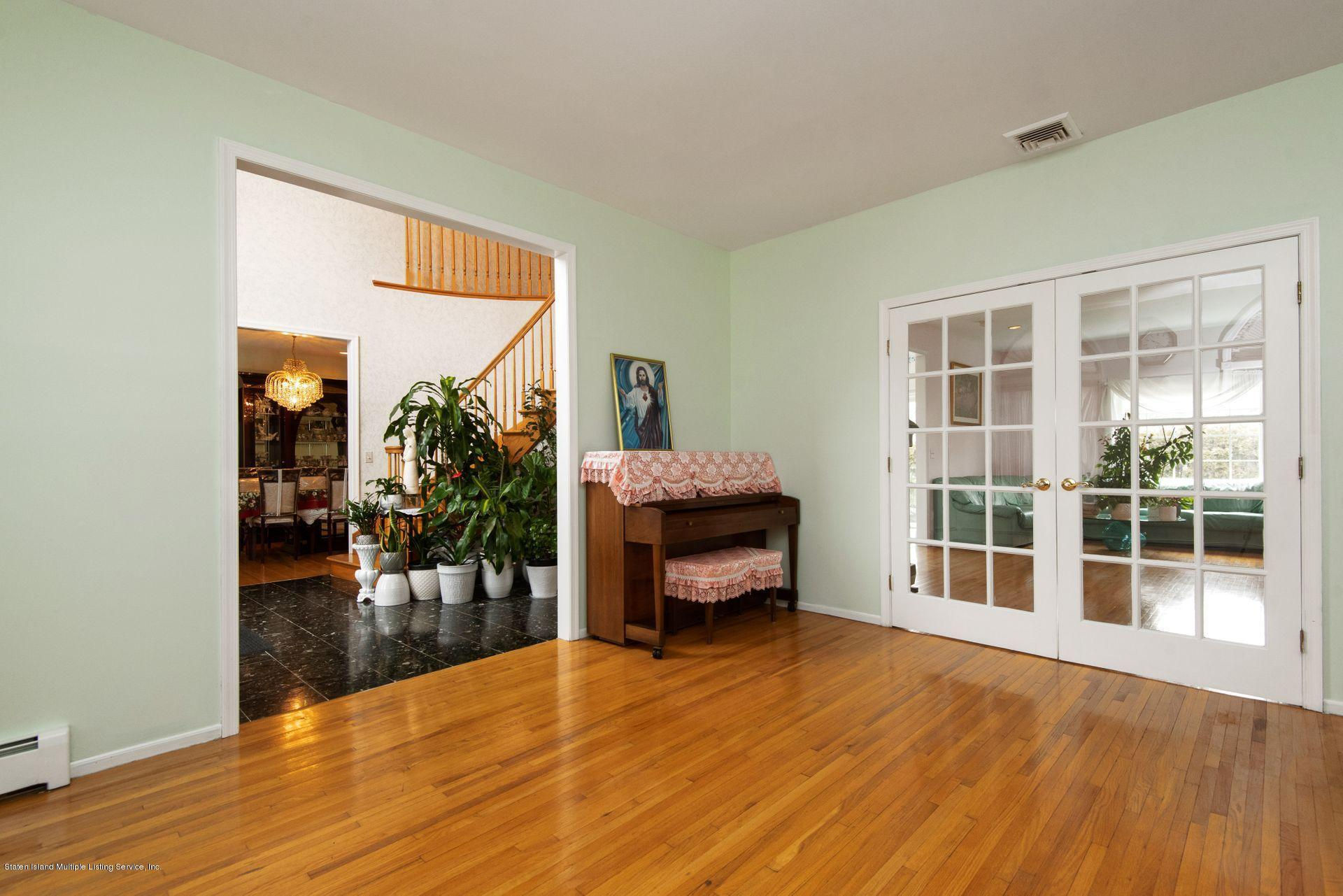 Two Family - Detached 640 Yetman Avenue  Staten Island, NY 10307, MLS-1126450-20