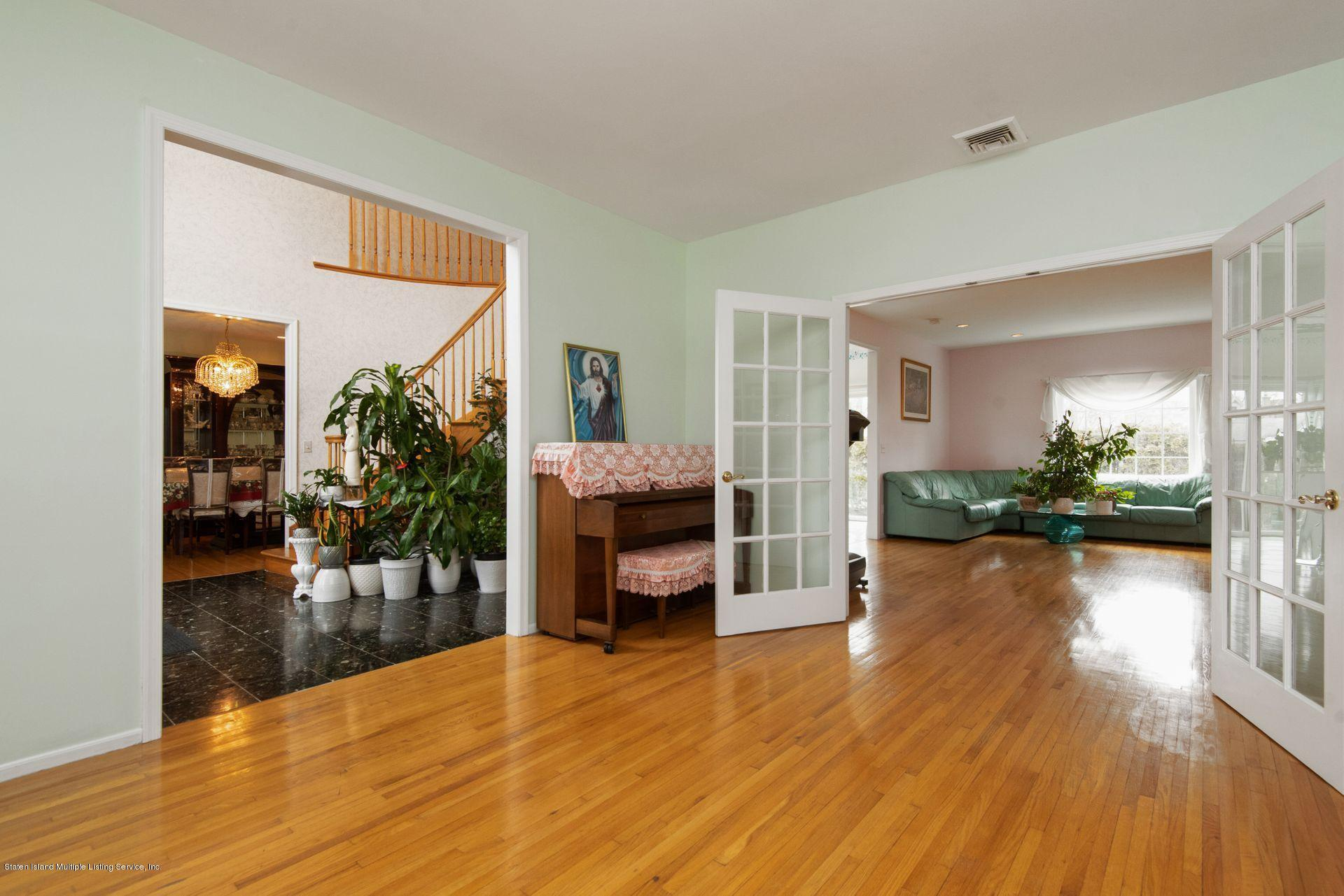 Two Family - Detached 640 Yetman Avenue  Staten Island, NY 10307, MLS-1126450-21