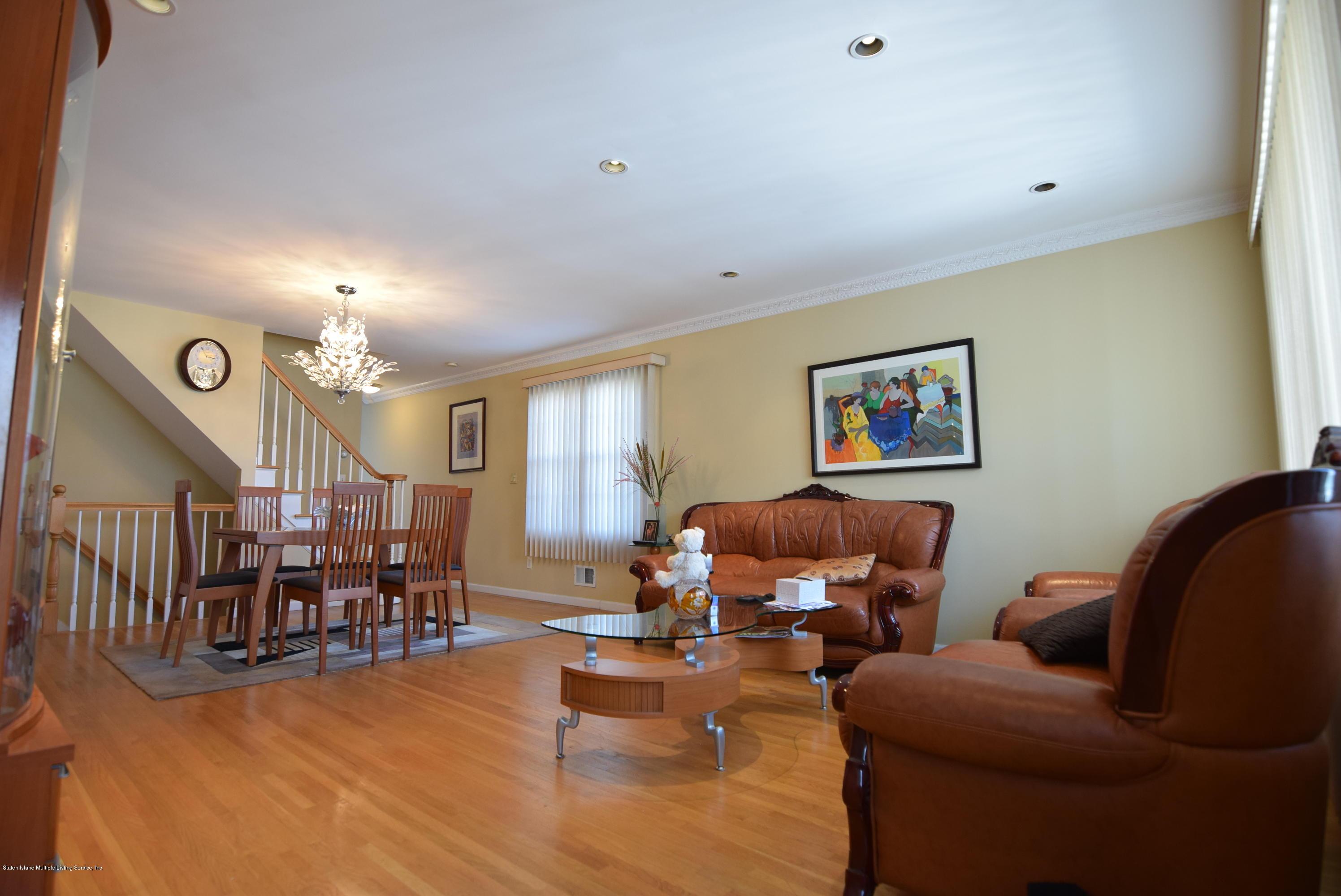 Single Family - Semi-Attached 15 Erwin Court  Staten Island, NY 10306, MLS-1126740-2