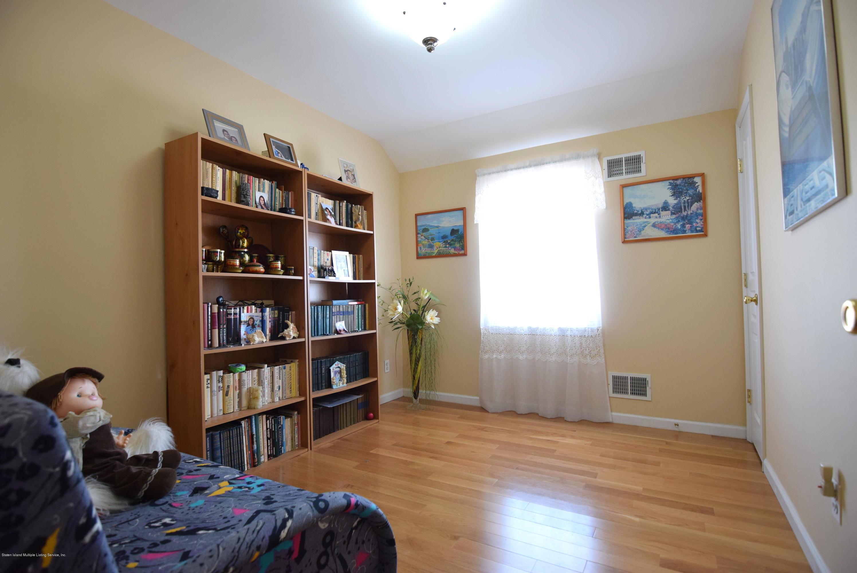 Single Family - Semi-Attached 15 Erwin Court  Staten Island, NY 10306, MLS-1126740-9