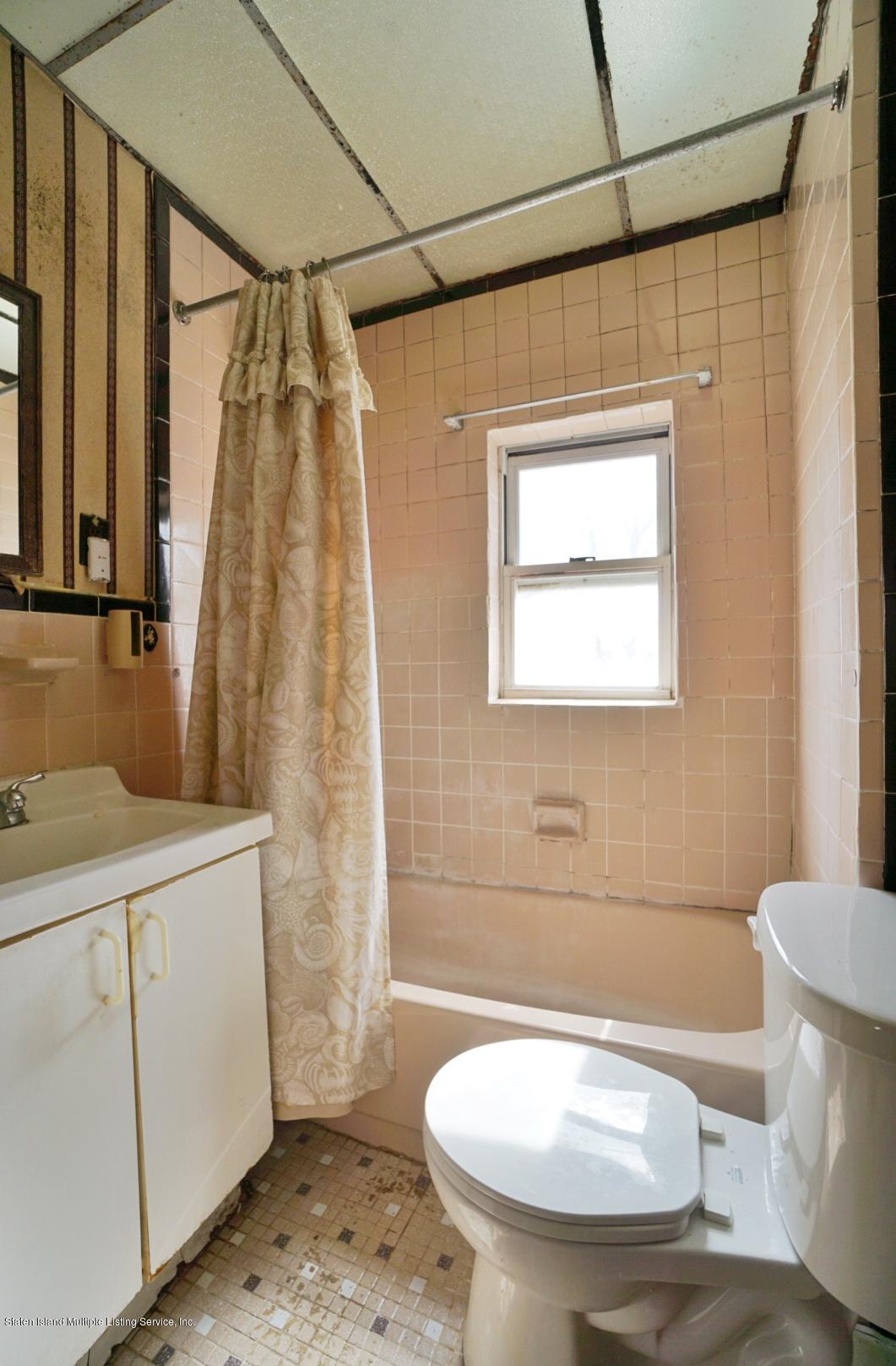 Single Family - Detached 33 Lafayette Avenue  Staten Island, NY 10301, MLS-1127009-16