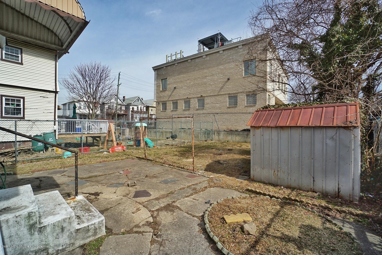 Single Family - Detached 33 Lafayette Avenue  Staten Island, NY 10301, MLS-1127009-17