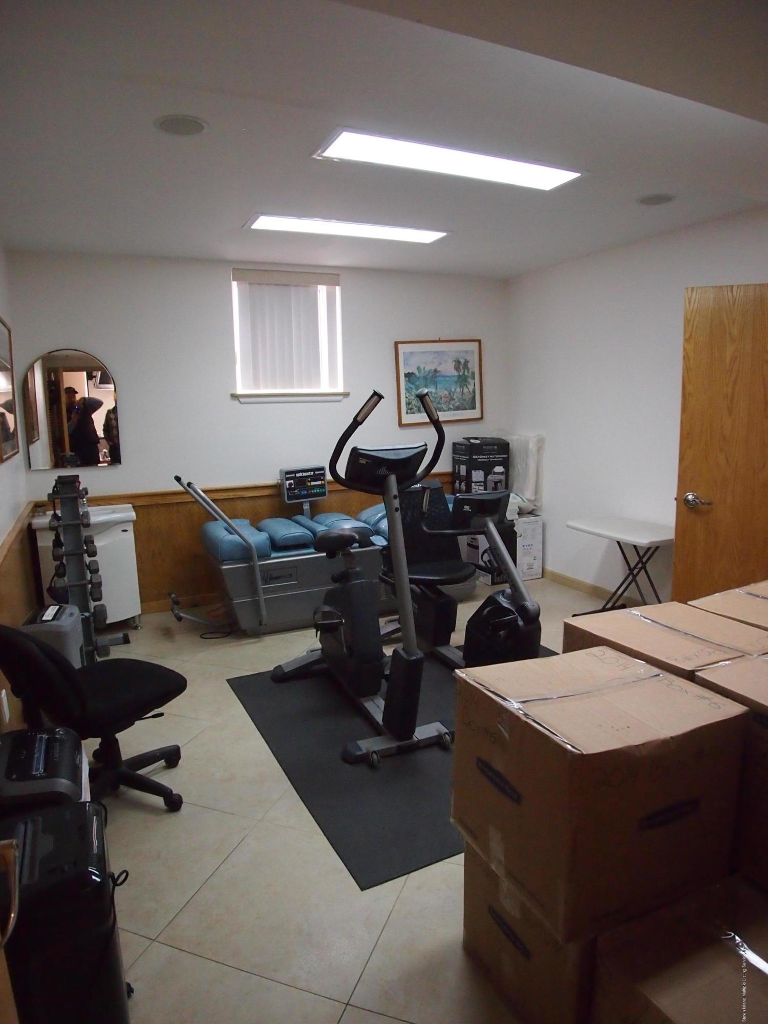 Commercial 321 Edison Street  Staten Island, NY 10306, MLS-1127165-11