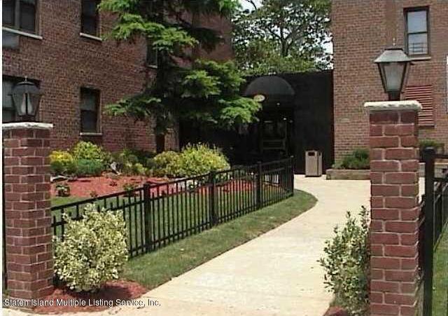 Condo in Grant City - 145 Lincoln Avenue 5y  Staten Island, NY 10306