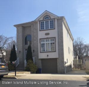19 Brookside Loop, Staten Island, NY 10309