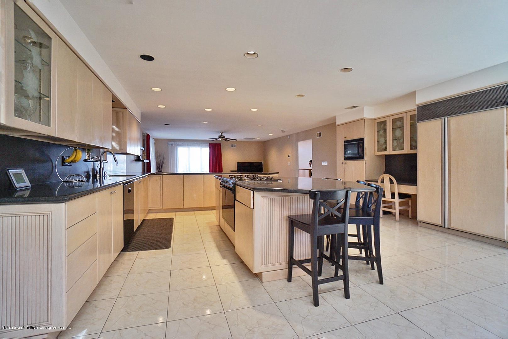 Single Family - Detached 183 Kensington Avenue  Staten Island, NY 10305, MLS-1127107-10