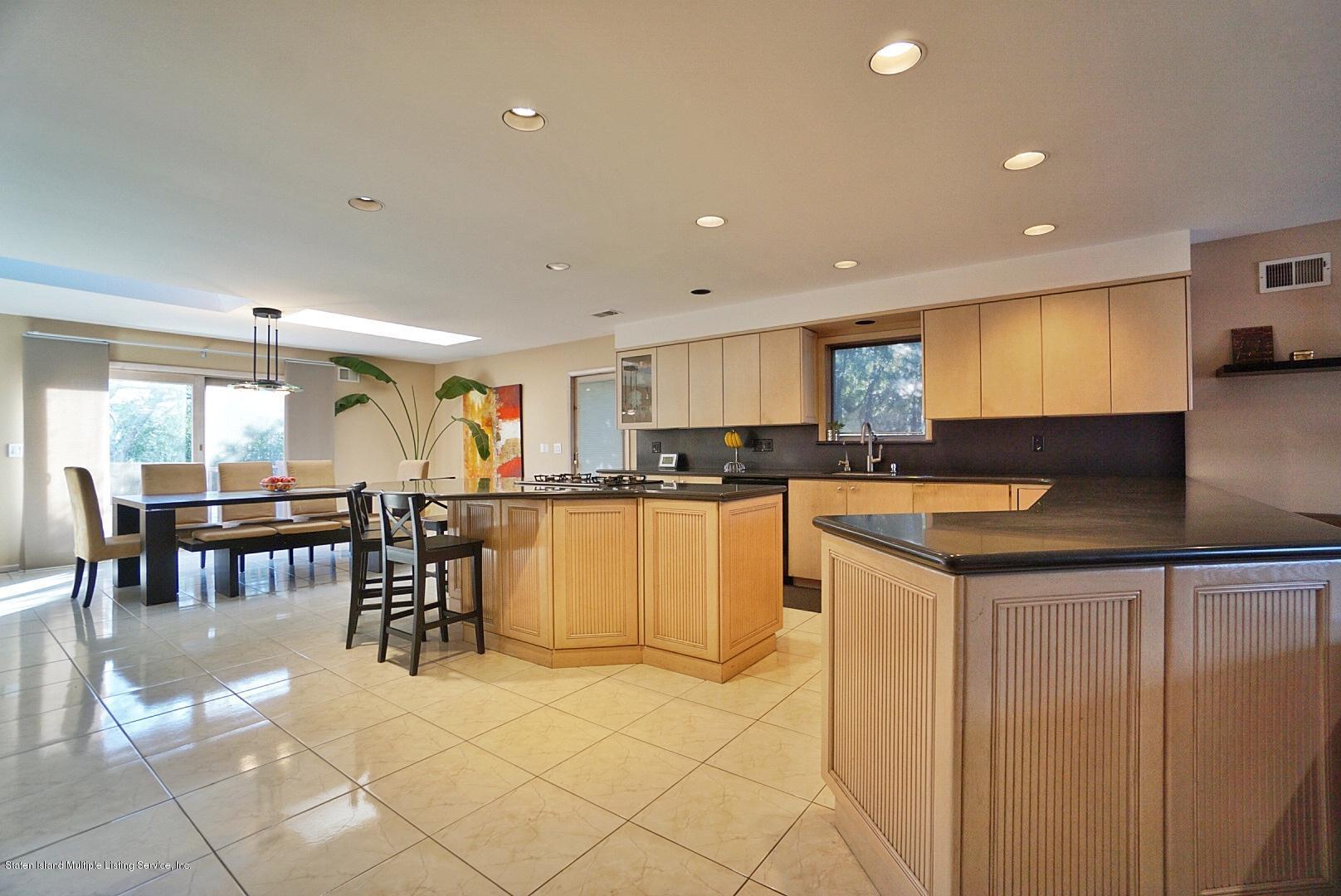 Single Family - Detached 183 Kensington Avenue  Staten Island, NY 10305, MLS-1127107-11