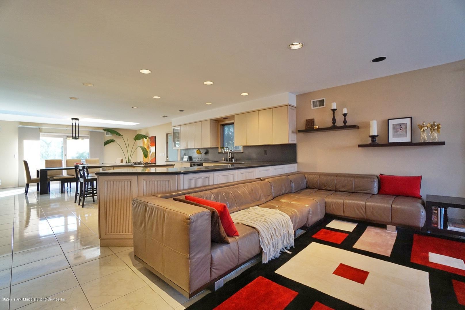 Single Family - Detached 183 Kensington Avenue  Staten Island, NY 10305, MLS-1127107-17
