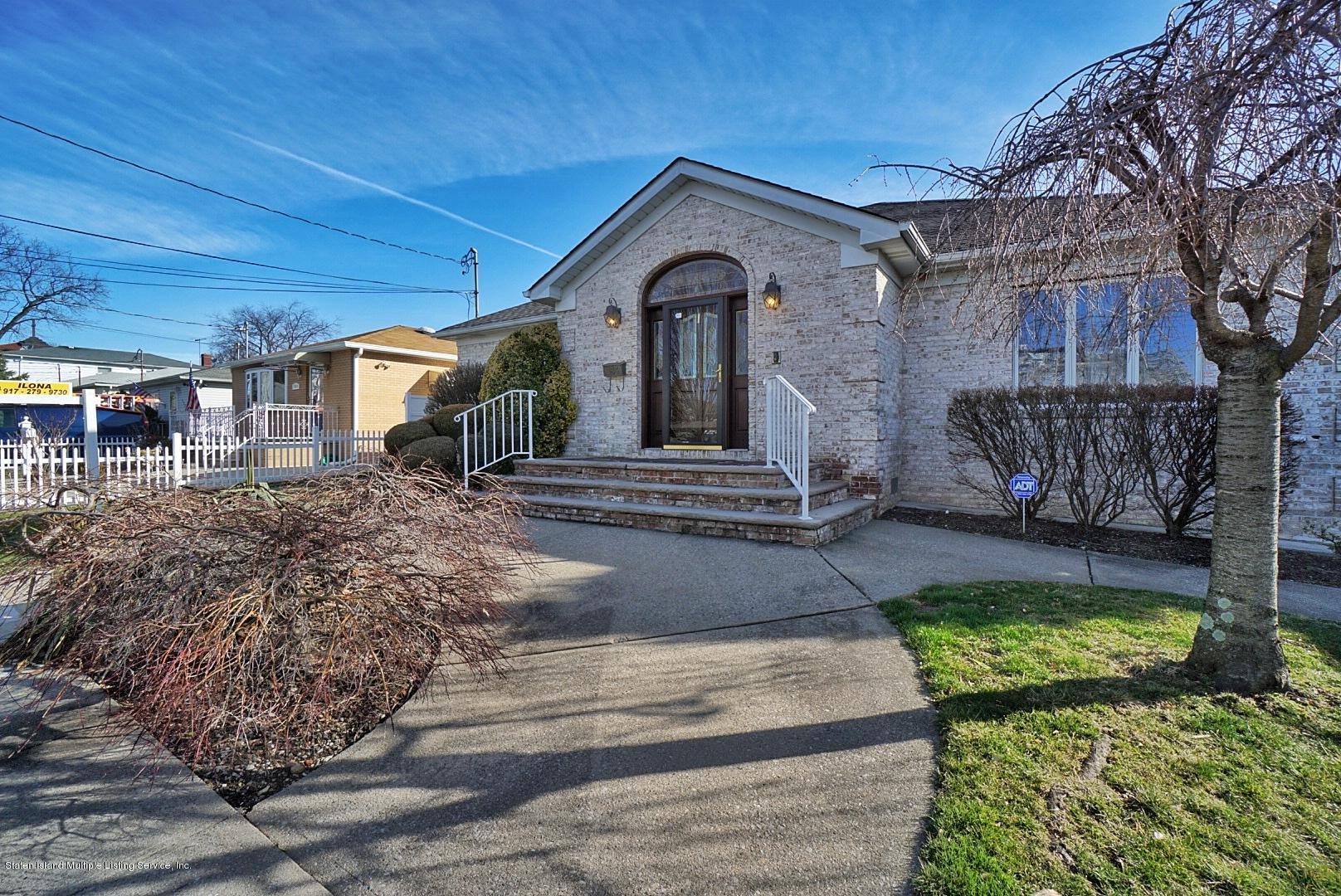 Single Family - Detached 183 Kensington Avenue  Staten Island, NY 10305, MLS-1127107-2