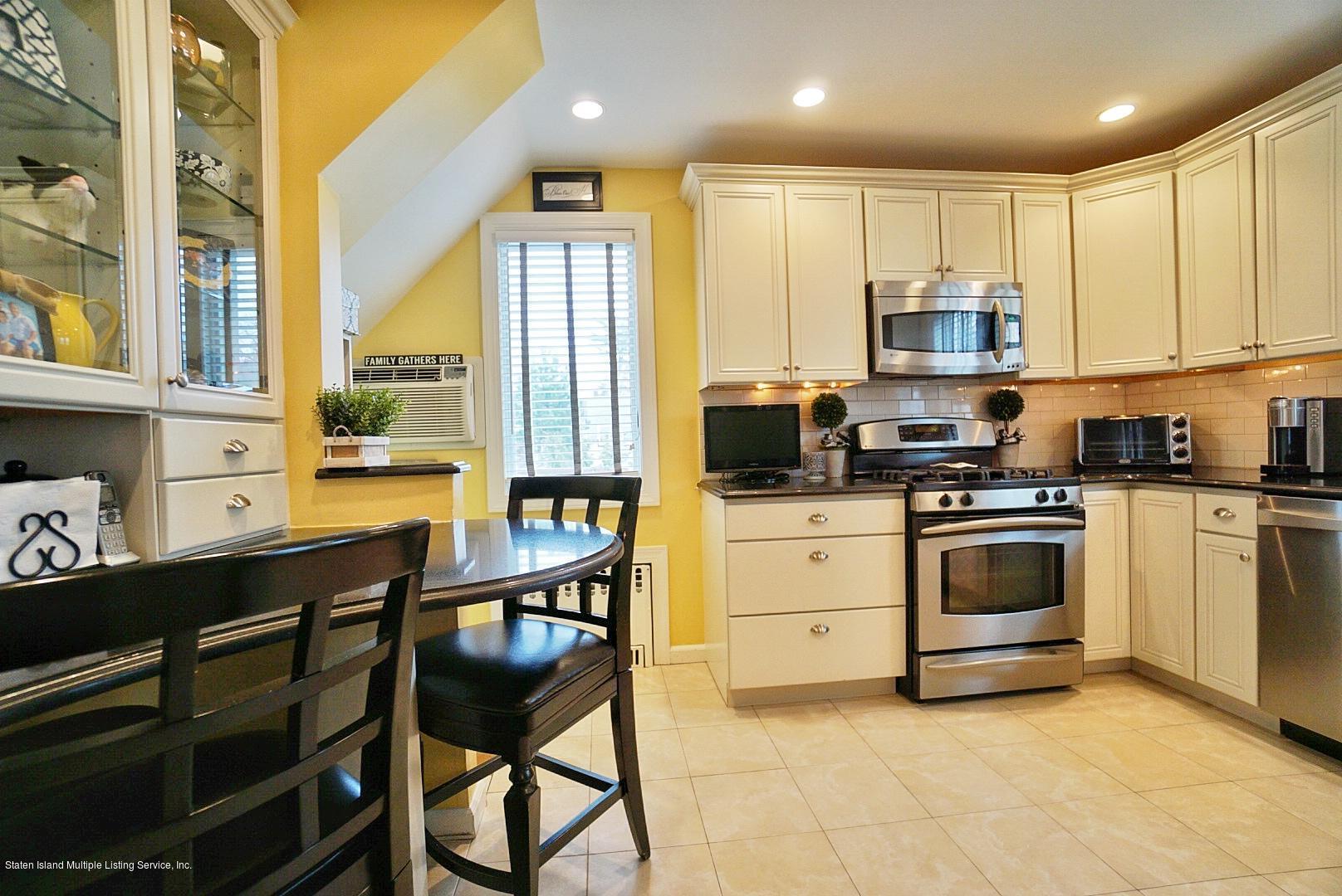 Single Family - Detached 171 Keiber Court  Staten Island, NY 10314, MLS-1127425-12
