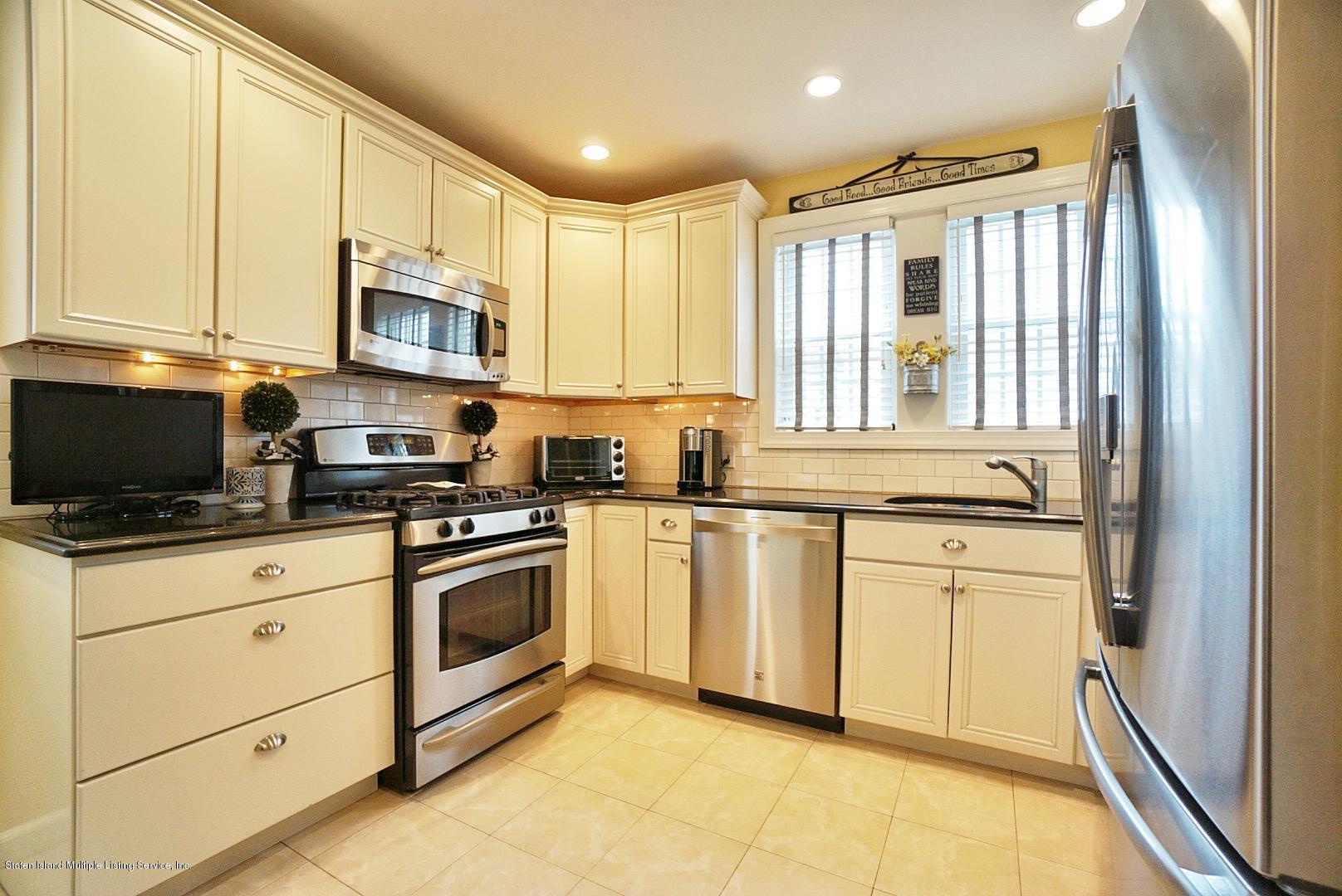 Single Family - Detached 171 Keiber Court  Staten Island, NY 10314, MLS-1127425-18