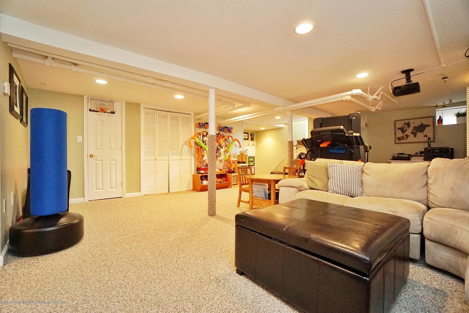 Single Family - Detached 171 Keiber Court  Staten Island, NY 10314, MLS-1127425-34