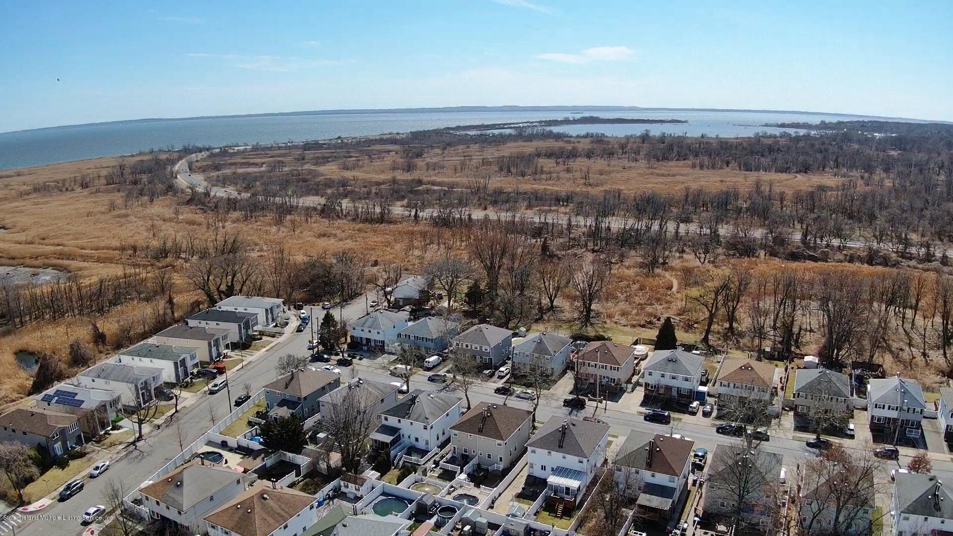 Single Family - Semi-Attached 366 Fairbanks Avenue  Staten Island, NY 10306, MLS-1127458-4