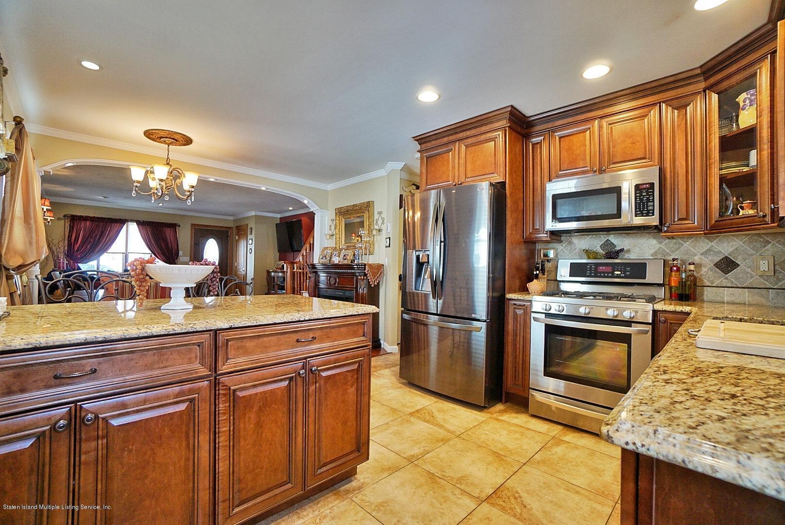 Single Family - Semi-Attached 366 Fairbanks Avenue  Staten Island, NY 10306, MLS-1127458-16