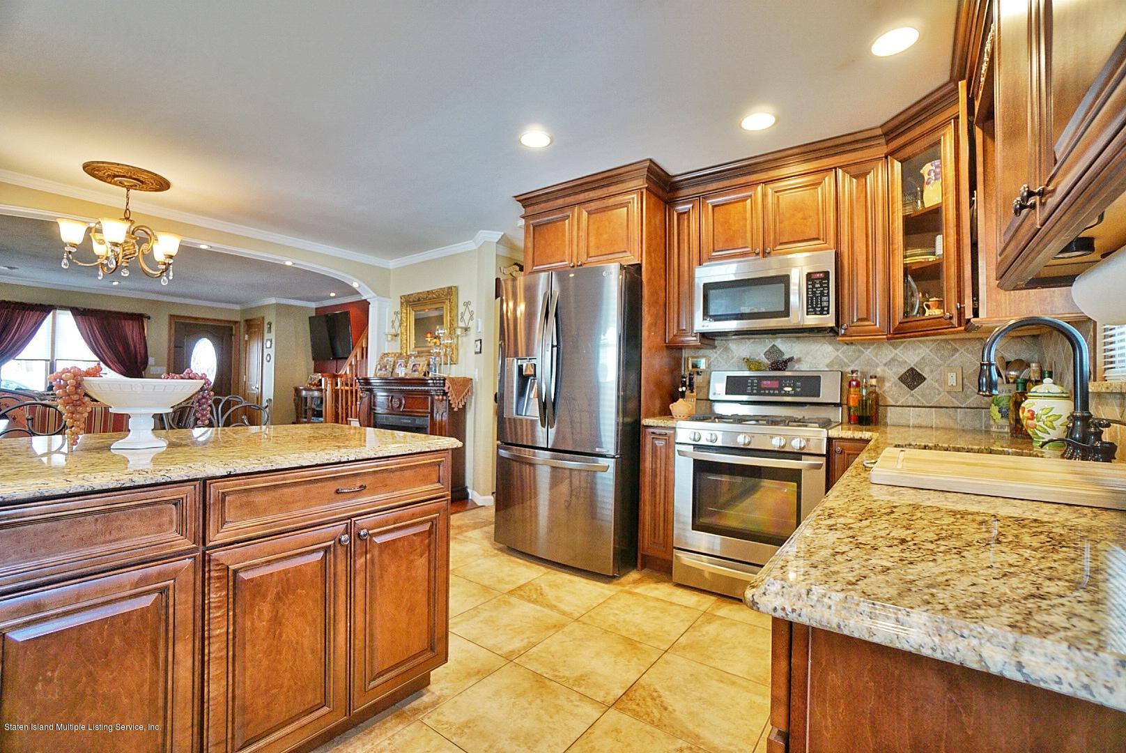 Single Family - Semi-Attached 366 Fairbanks Avenue  Staten Island, NY 10306, MLS-1127458-17