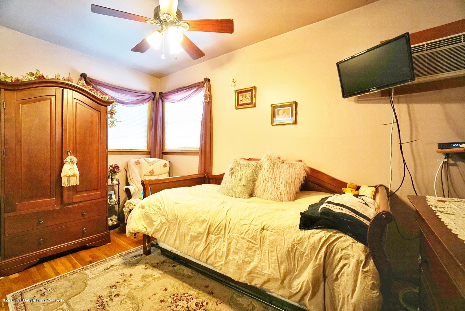 Single Family - Semi-Attached 366 Fairbanks Avenue  Staten Island, NY 10306, MLS-1127458-23