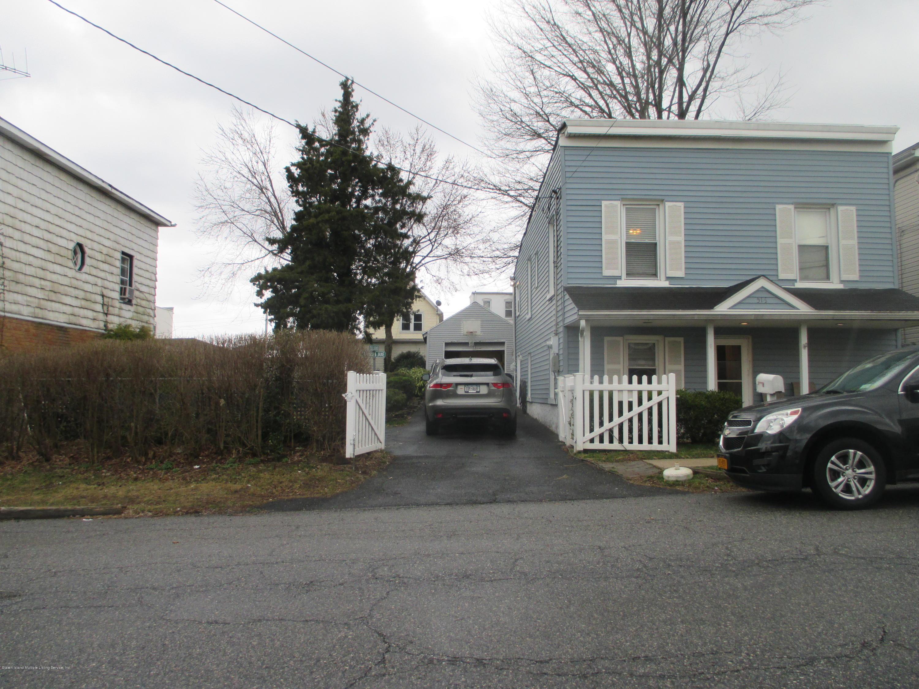 Single Family - Detached 516 Caswell Avenue  Staten Island, NY 10314, MLS-1127513-2