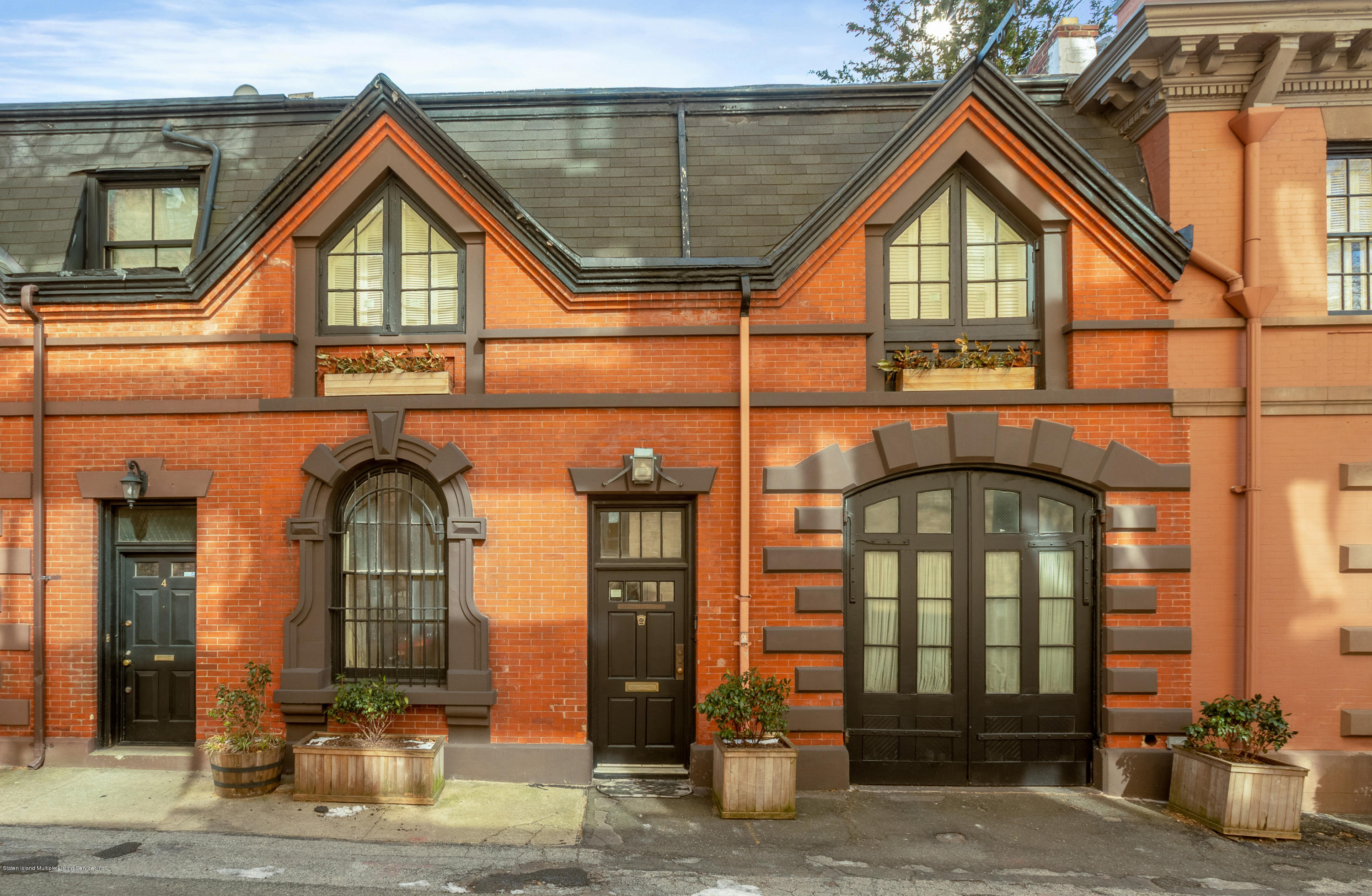 Single Family - Attached in Brooklyn Heights - 2 Grace Court  Brooklyn, NY 11201