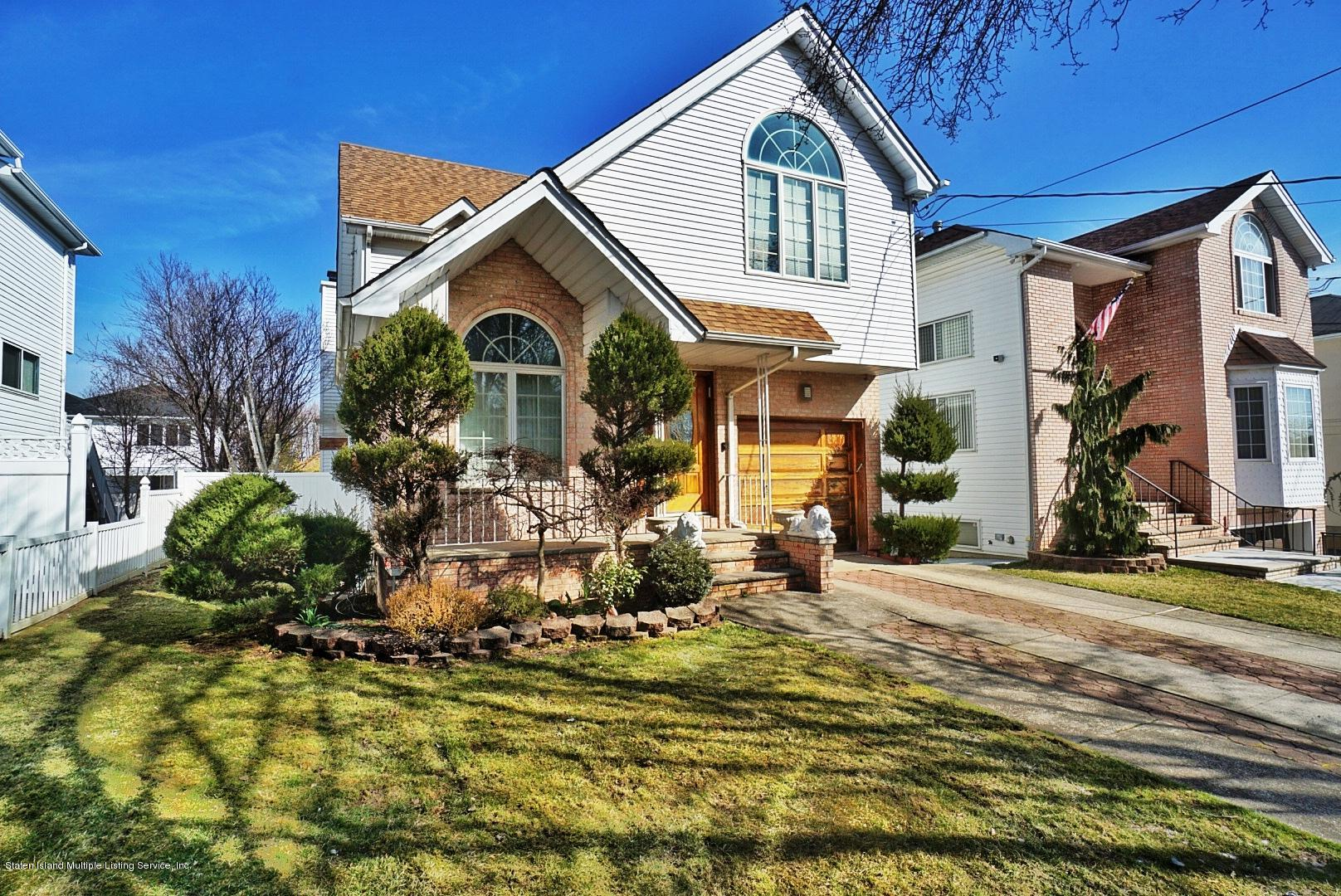 Single Family - Detached in Rossville - 329 Mcbaine Avenue  Staten Island, NY 10309