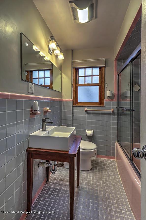 Single Family - Detached 271 Kissel Avenue  Staten Island, NY 10310, MLS-1125372-24