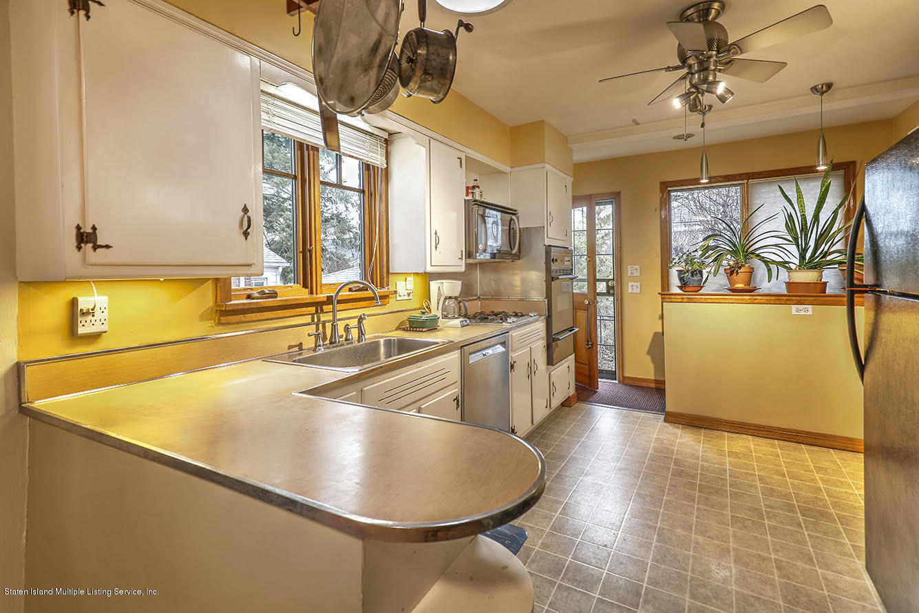 Single Family - Detached 271 Kissel Avenue  Staten Island, NY 10310, MLS-1125372-17