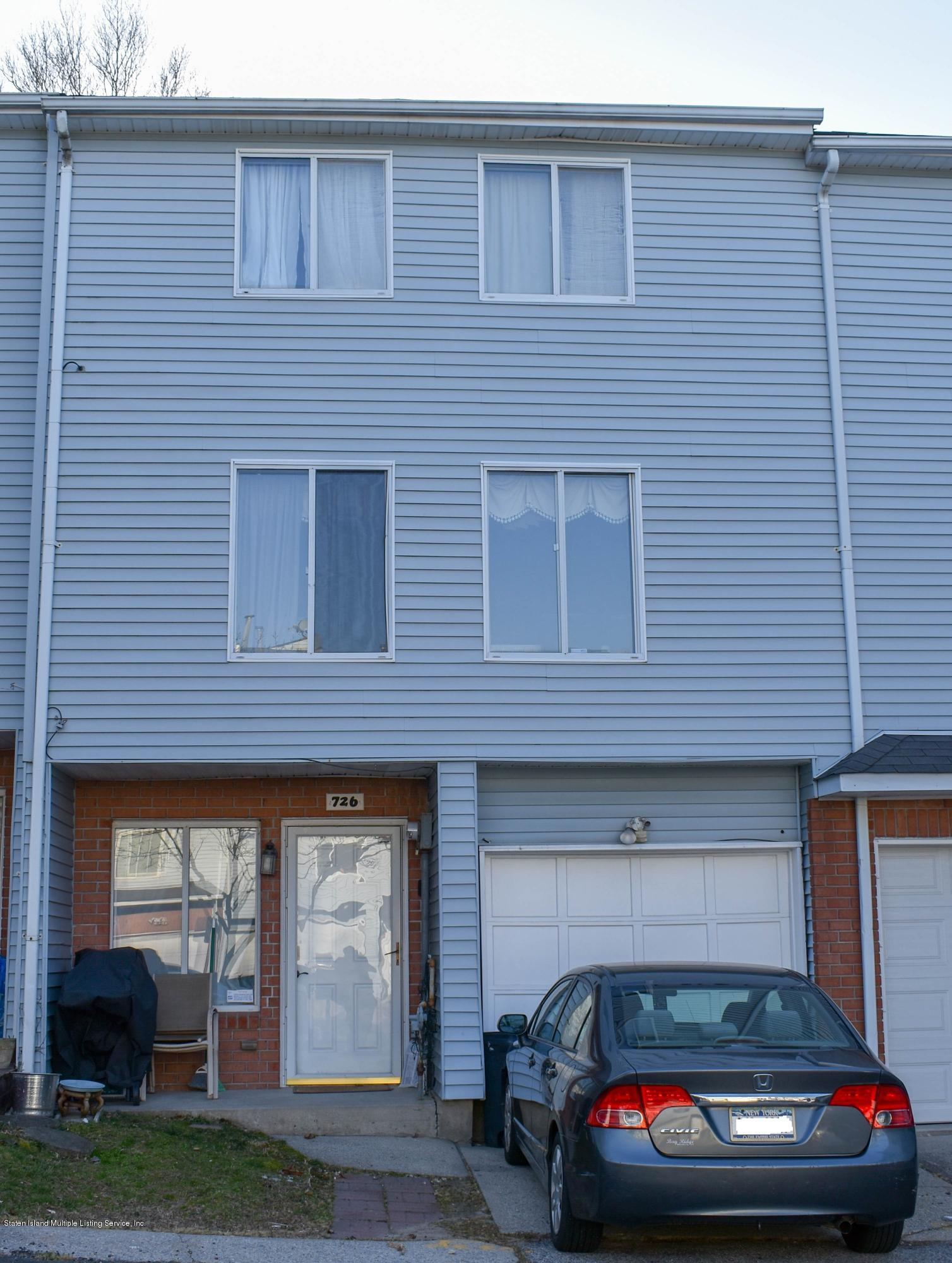 Single Family - Attached in Arden Heights - 726 Ilyssa Way  Staten Island, NY 10312
