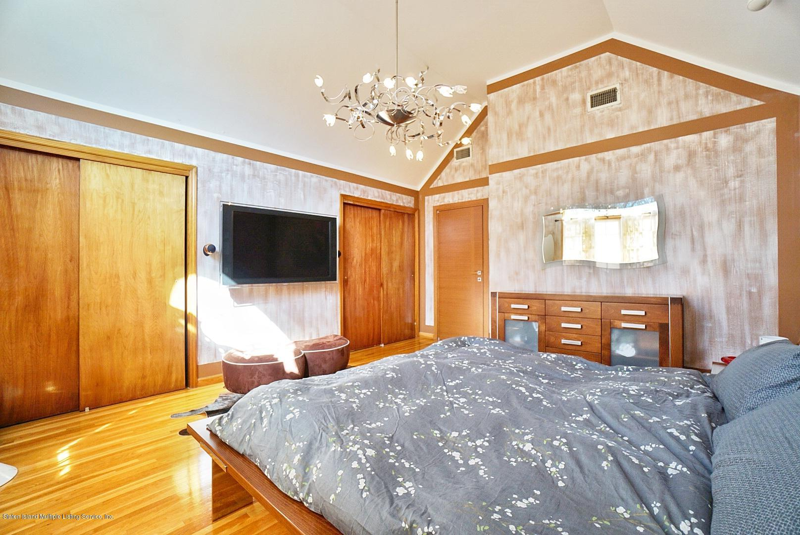 Single Family - Detached 329 Mcbaine Avenue  Staten Island, NY 10309, MLS-1127552-23
