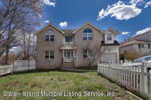 486 Medina Street, Staten Island, NY 10306