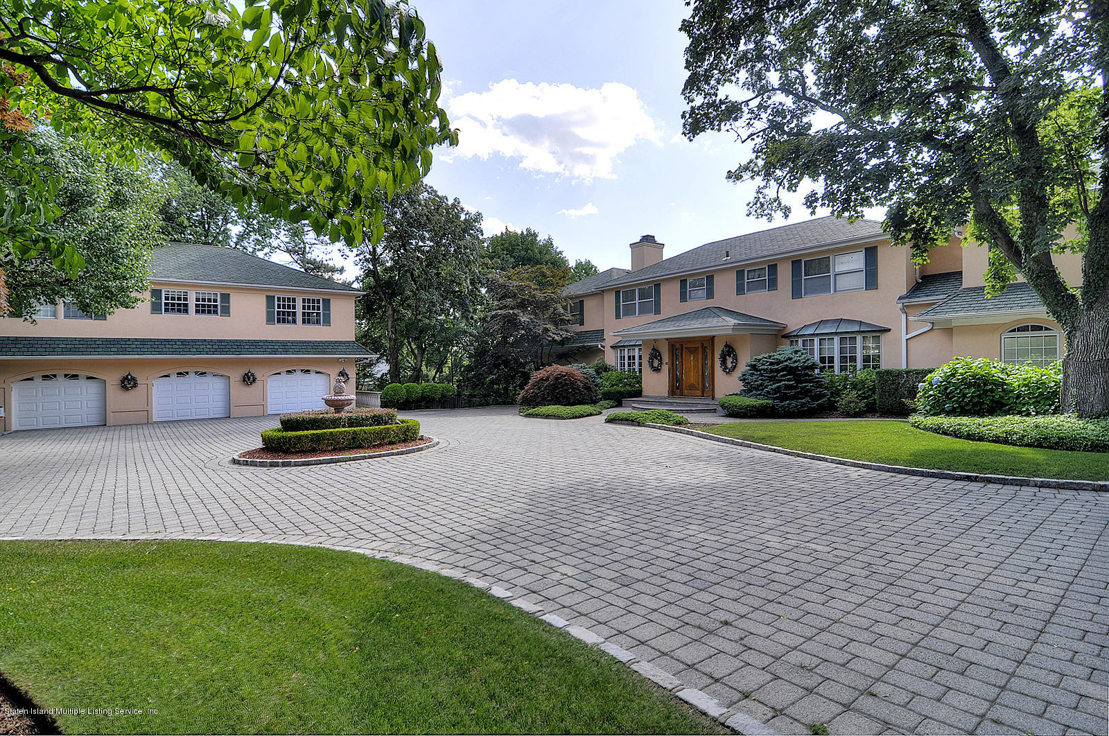 Single Family - Detached in Todt Hill - 738 Todt Hill Road  Staten Island, NY 10301