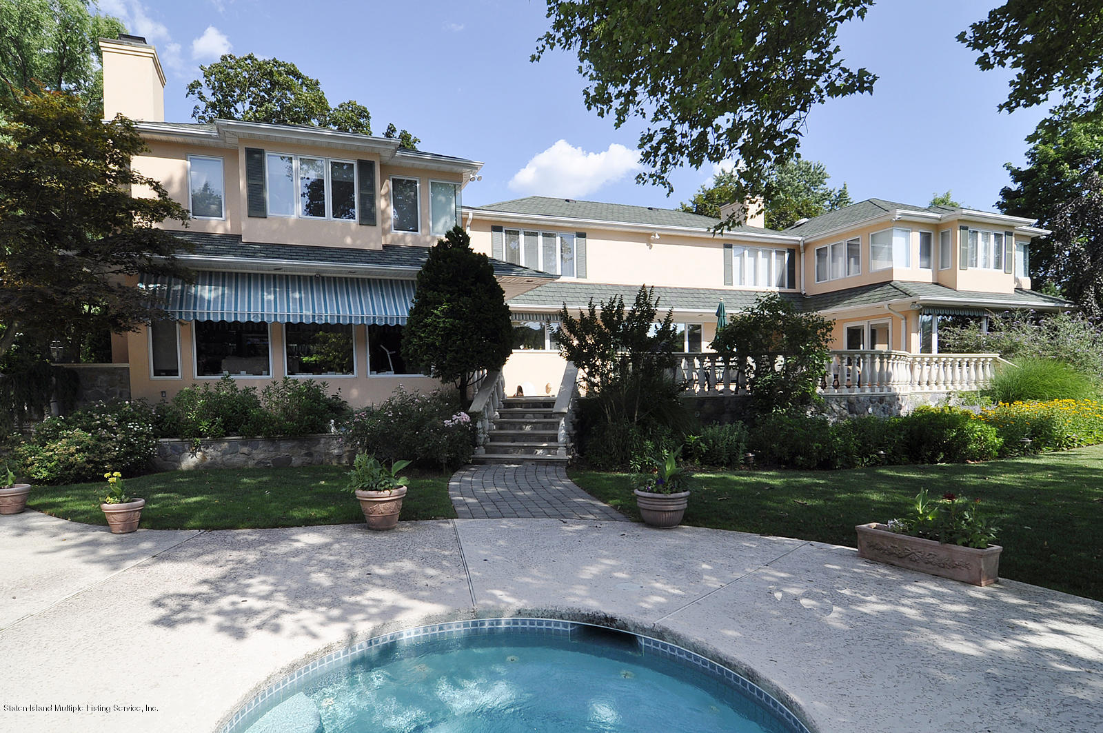 Single Family - Detached 738 Todt Hill Road  Staten Island, NY 10301, MLS-1127956-17
