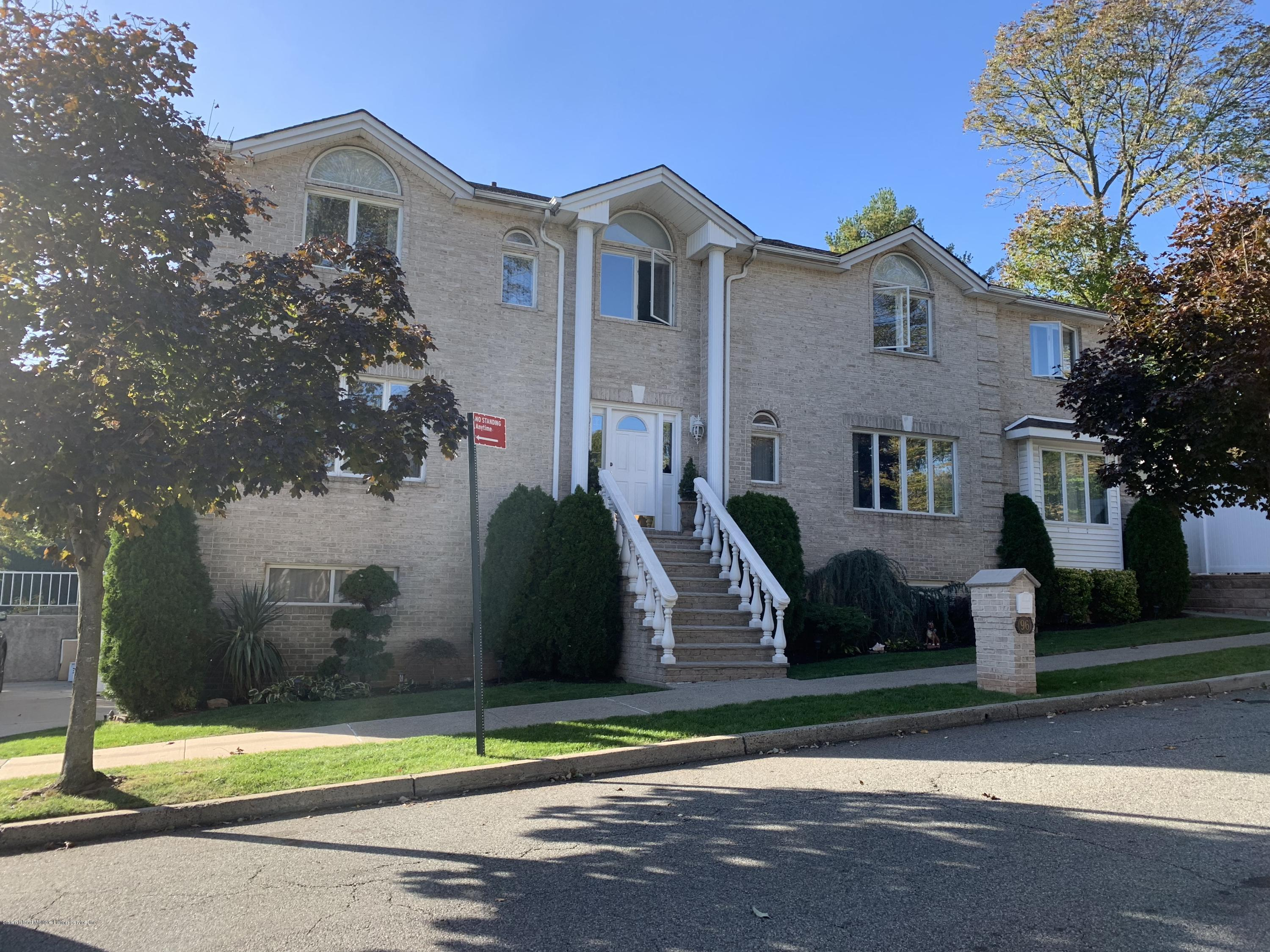 Two Family - Detached in Pleasant Plains - 96 Idaho Avenue  Staten Island, NY 10309