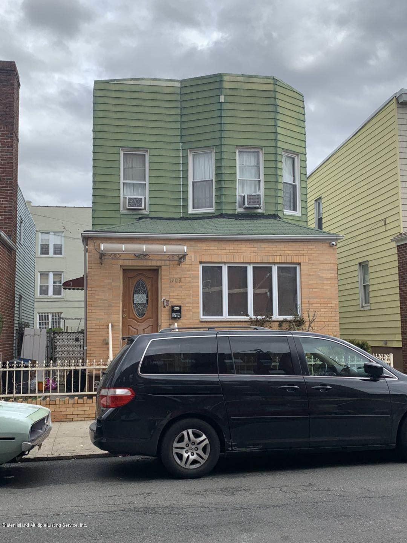 Bensonhurst Car Service >> Two Family Detached In Bensonhurst 1709 77th St Brooklyn Ny