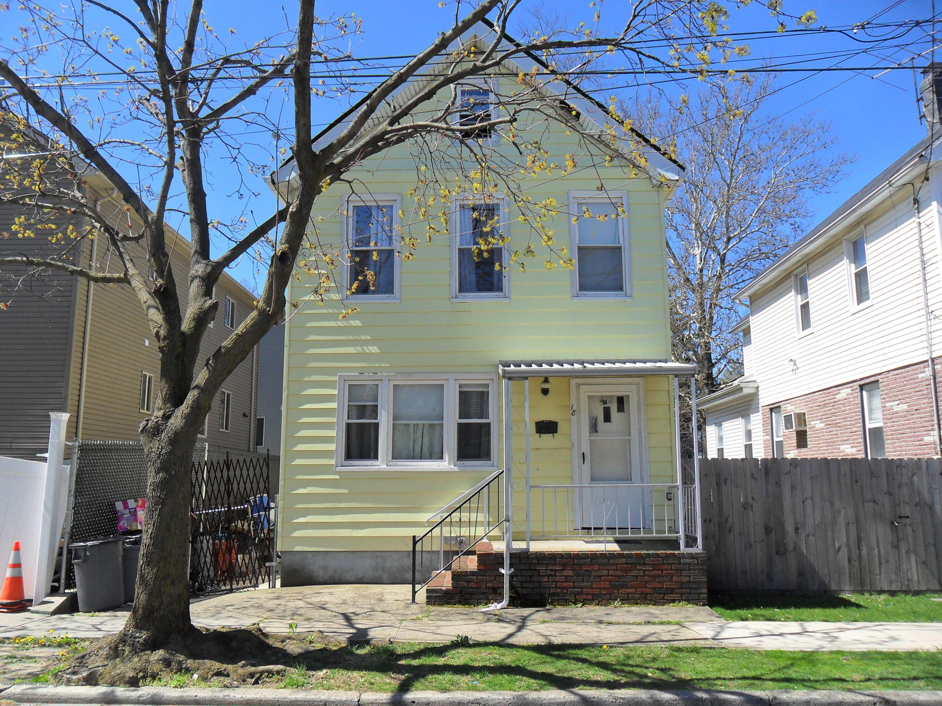 Single Family - Detached in West Brighton - 18 Raymond Place  Staten Island, NY 10310