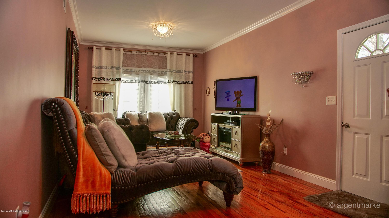Single Family - Semi-Attached 37 Fillmore Avenue  Staten Island, NY 10314, MLS-1128014-17