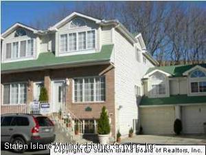 71 Woodcutters Lane, Staten Island, NY 10306