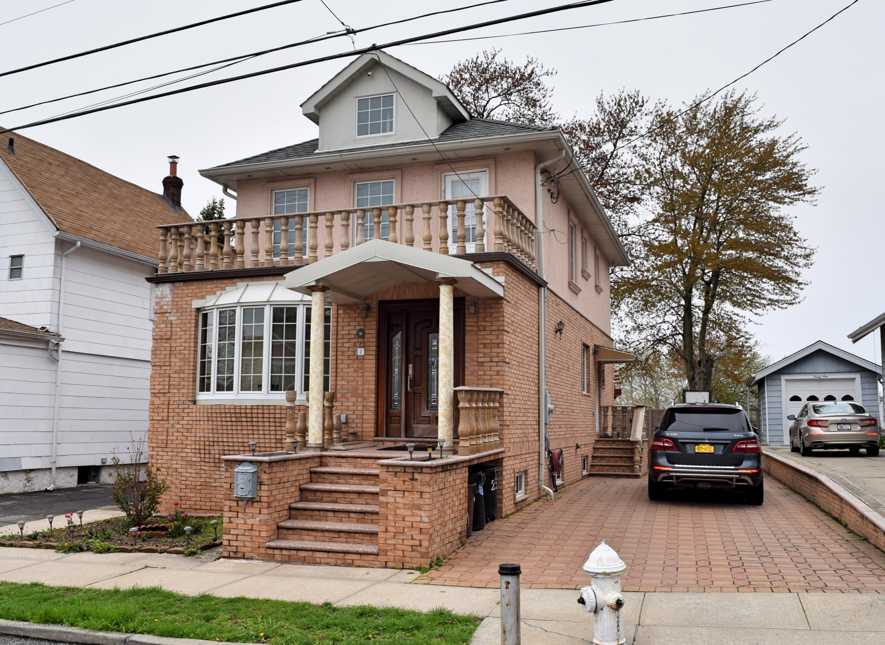 Single Family - Detached in Lower Todt Hill - 23 Bolivar Street  Staten Island, NY 10314