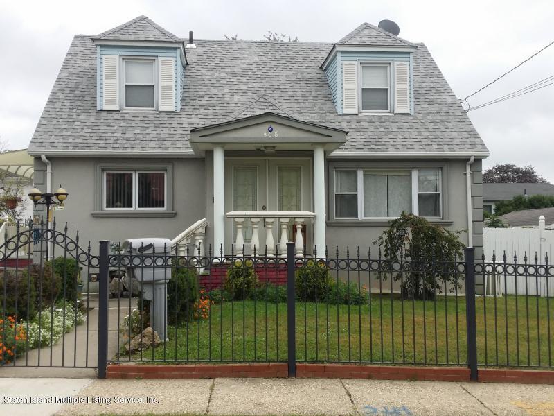 Two Family - Detached in Arrochar - 468 Mcclean Avenue  Staten Island, NY 10305