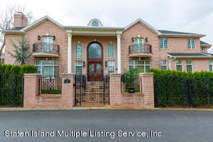 120 College Place, Staten Island, NY 10304