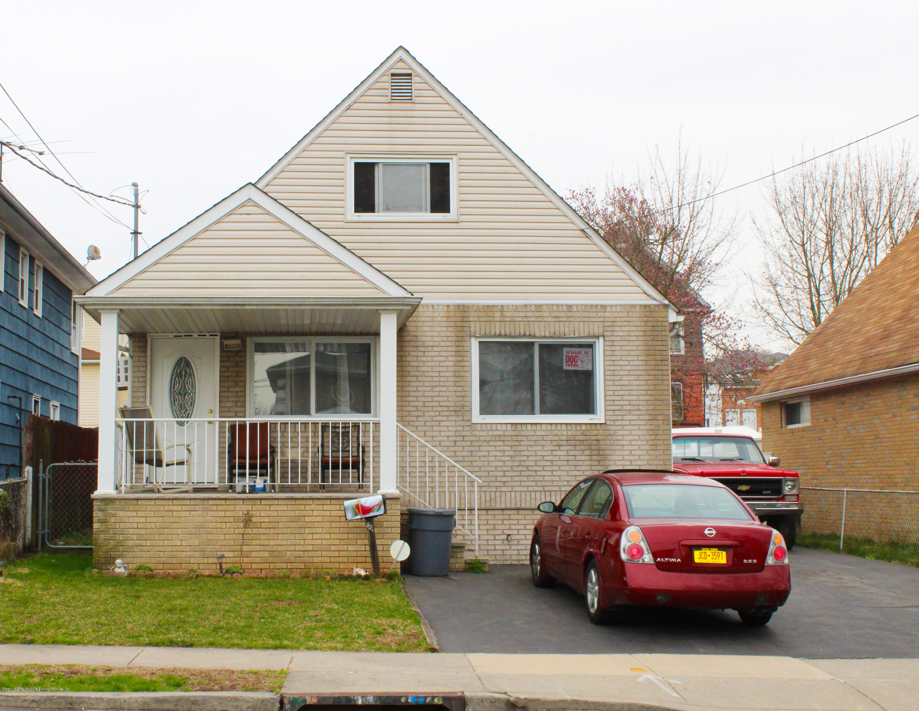 Single Family - Detached in Lower Todt Hill - 44 Tillman Street  Staten Island, NY 10314
