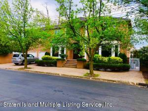 16 Kerry Lane, Staten Island, NY 10307