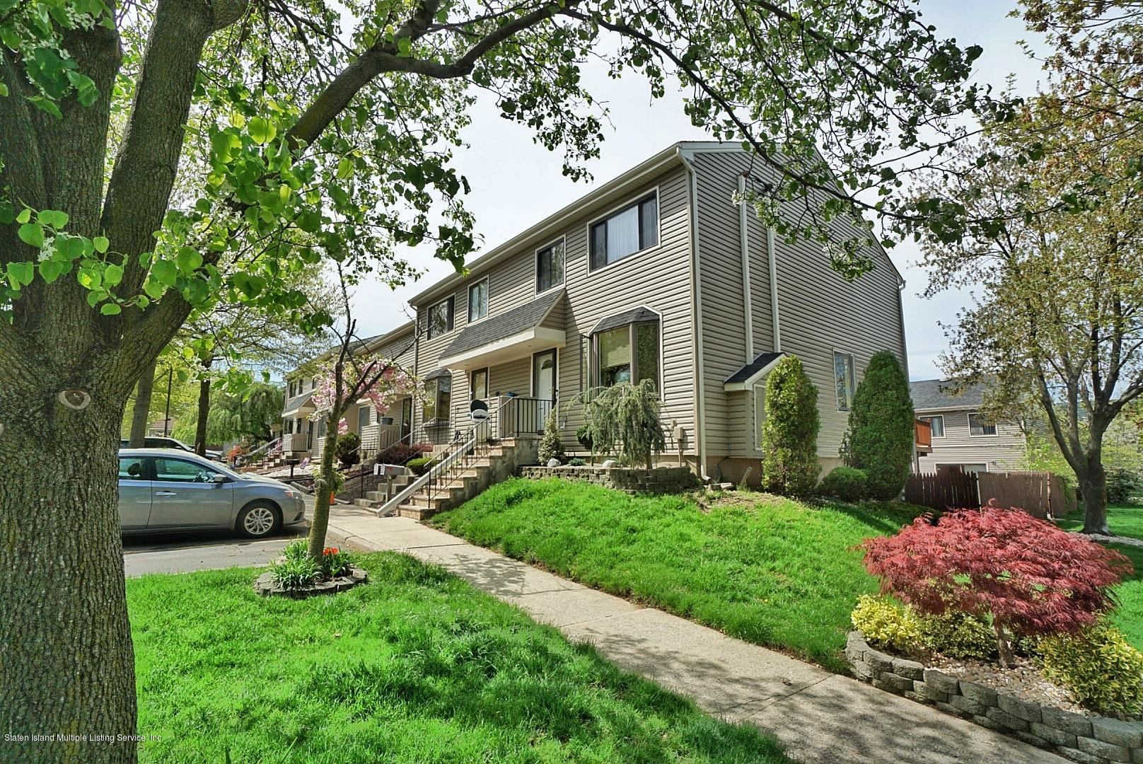 Single Family - Attached 15 Berry Court  Staten Island, NY 10309, MLS-1128282-2