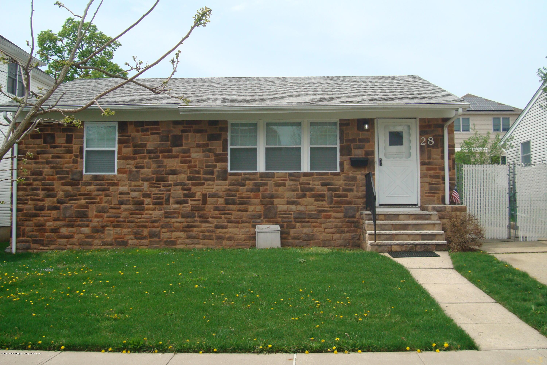 Single Family - Detached in Huguenot - 28 Colon Street  Staten Island, NY 10312